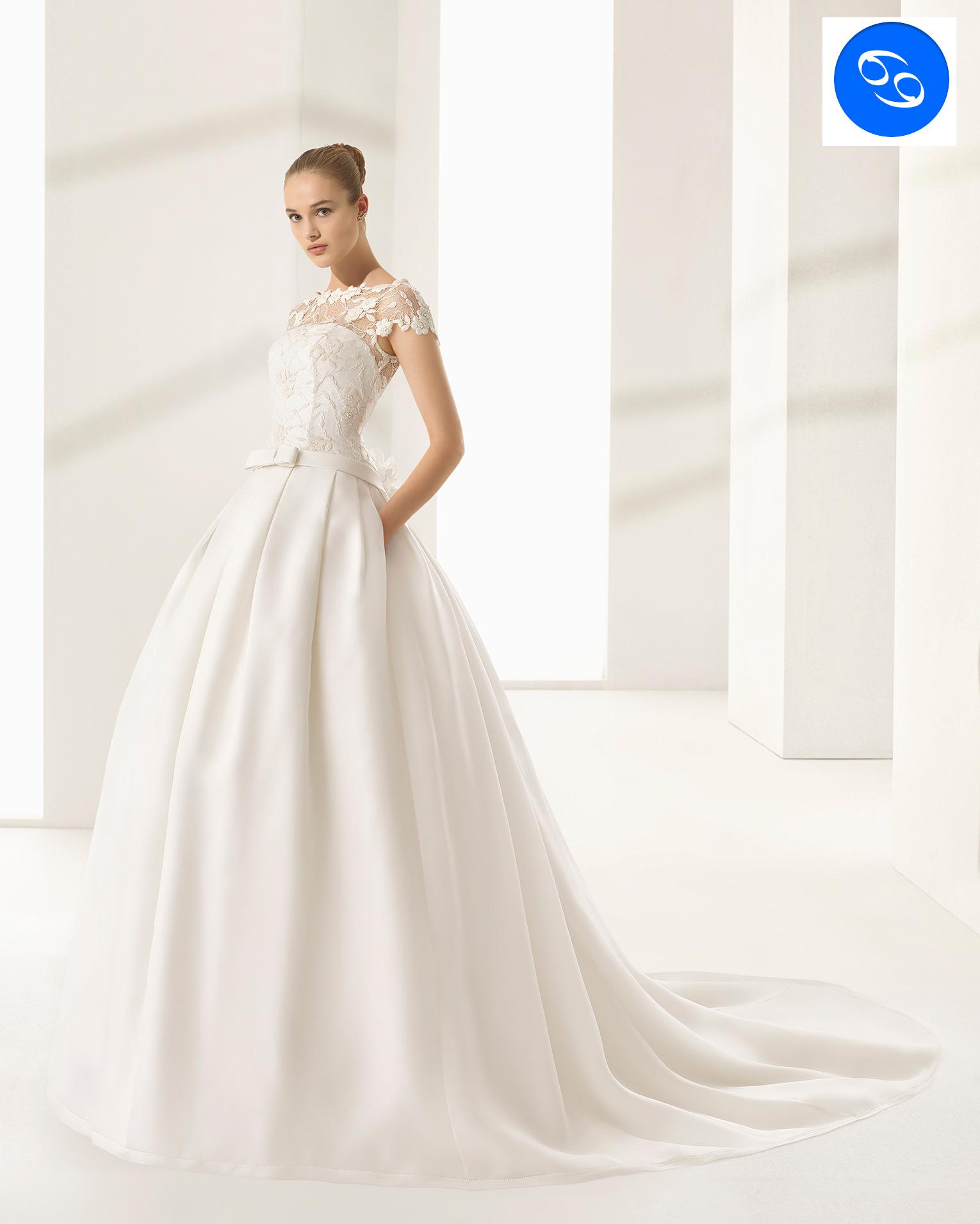 На фото свадебные платья